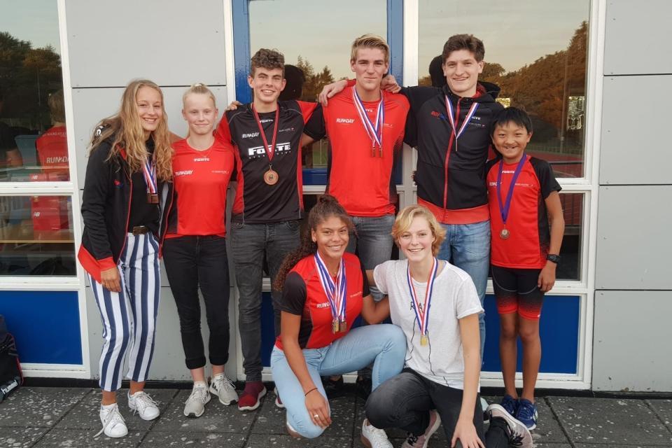 Medaillewinnaars NK's afgelopen seizoen gehuldigd